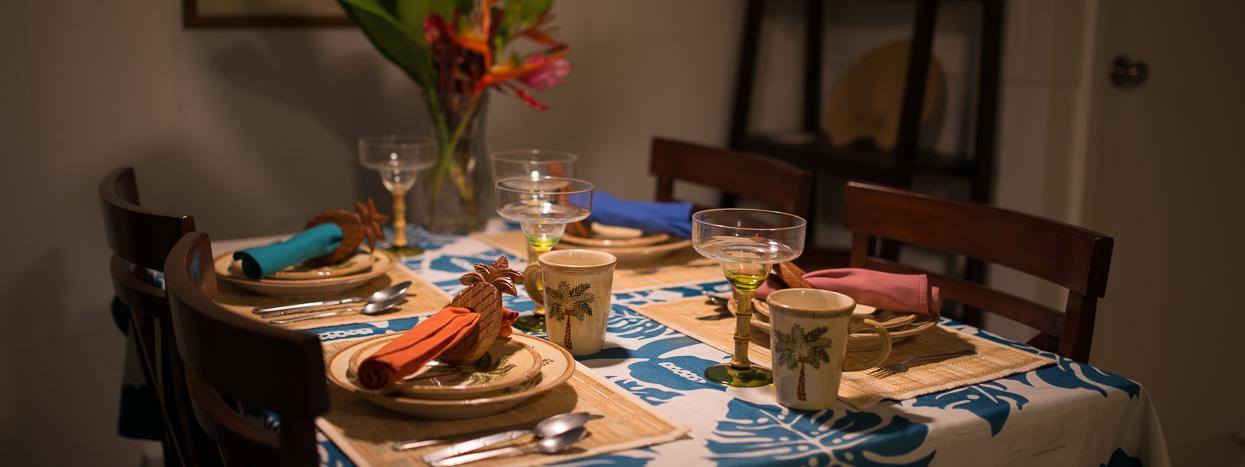 http://wailukuhouse.com/wp-content/uploads/2012/09/Garden-Ohana-Dining-1250-x-467.jpg